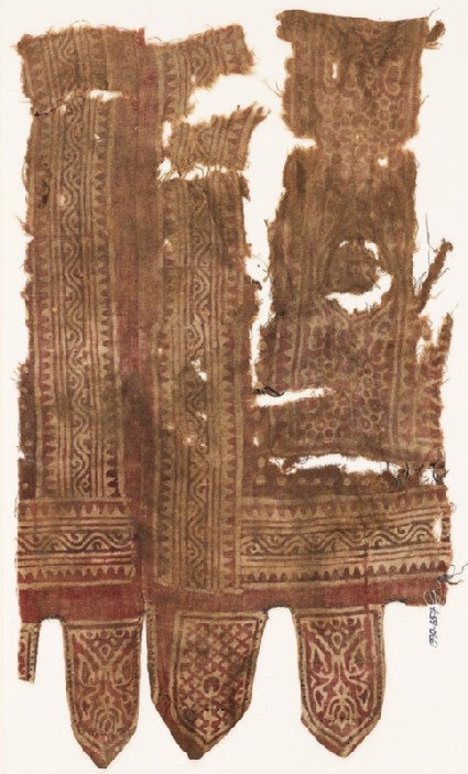 Textile fragment with medallions, linked rosettes, vines, and tabs