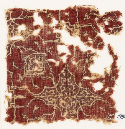 Textile fragment with lobed medallions
