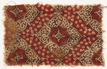 Textile fragment with quatrefoils and heart-shaped petals