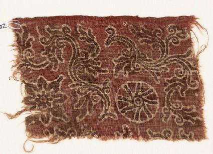Textile fragment with curving vines, quatrefoil, and rosette