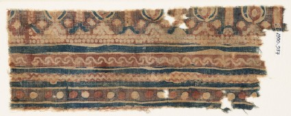 Textile fragment with bands of S-shapes and zigzag