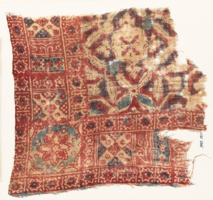 Textile fragment with quatrefoils, stars, and rosettes