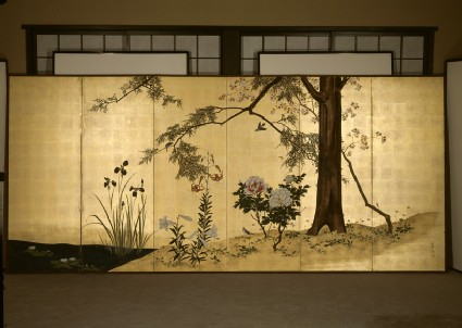Six-fold screen depicting birds and flowers of the four seasons