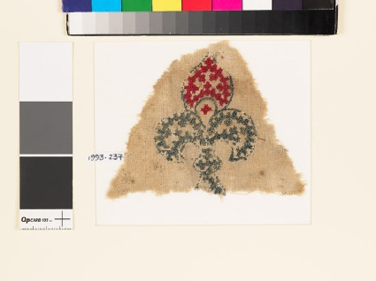 Textile fragment with fleur-de-lys and linked crosses