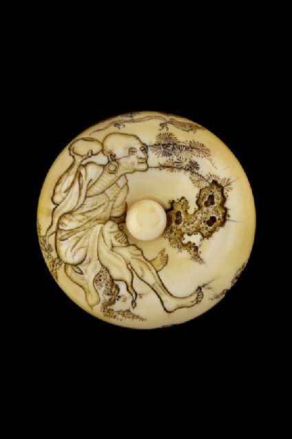 Manjū netsuke depicting Handaka Sonja conjuring up a dragon from his bowl. Reverse, Buddhist fly-whisk and clouds