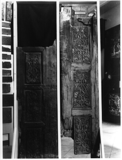 Fatimid Western Palace: door (MIA, Cairo)