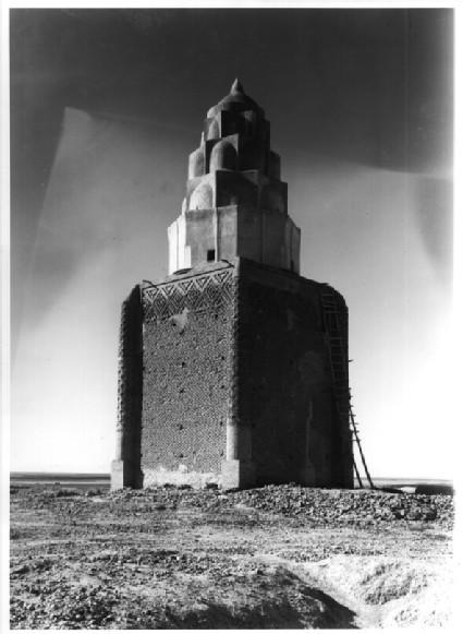 Mausoleum of Imam Dur