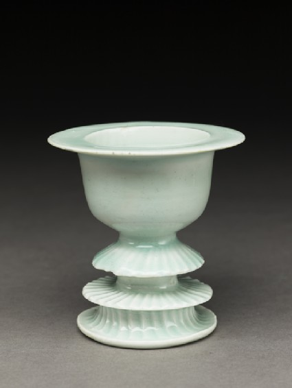 White ware cup stand
