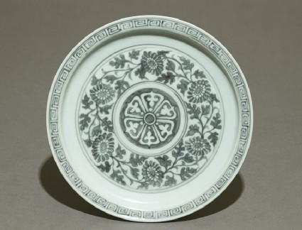 Porcelain saucer dish with flowers