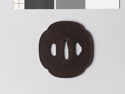 Mokkō-shaped tsuba with raised edge