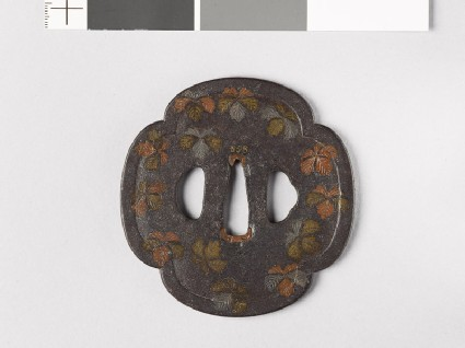 Mokkō-shaped tsuba with Cissus leaves