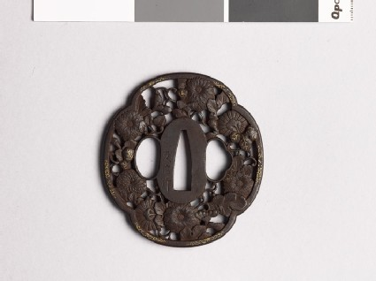 Mokkō-shaped tsuba with chrysanthemums