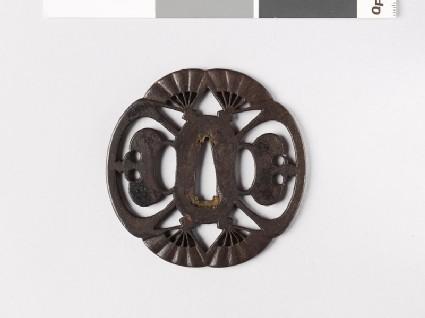 Mokkō-shaped tsuba with open fans