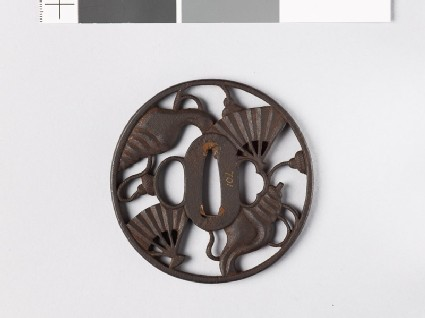 Round tsuba with conch shells and war fans