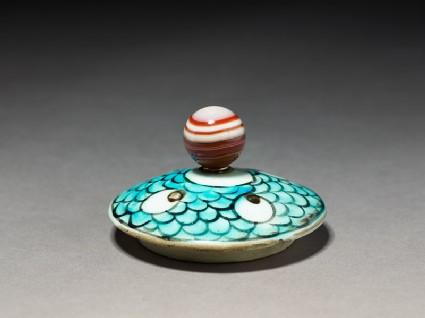 Lid with çintamani motif