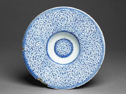 Tondino dish with spiral patterning