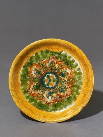 Tripod dish with a lotus pattern