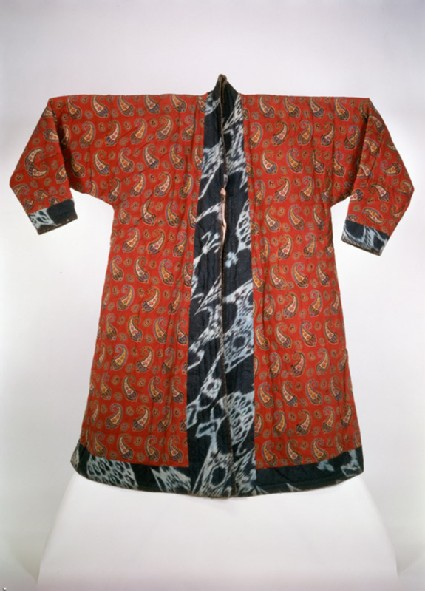 Coat with buta pattern lining