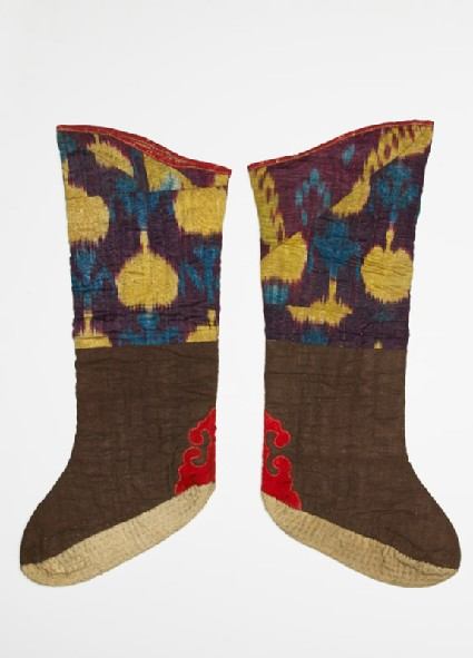 Pair of quilted bootees