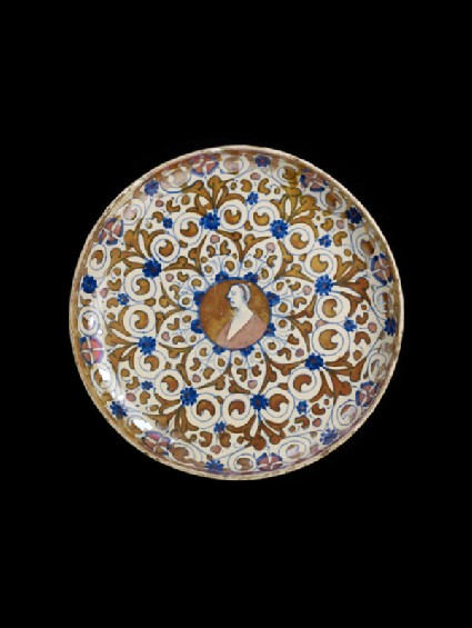 Bowl with arabesque ornament