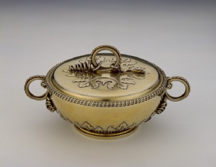 Covered bowl (or ecuelle)