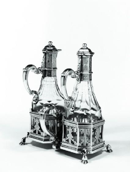 Oil and vinegar frame