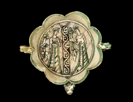 Spouted bowl with two queens flanking a pillar