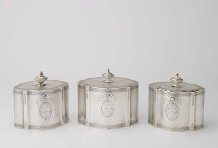 Box for set of three tea canisters
