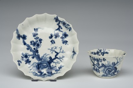 Tea bowl and saucer