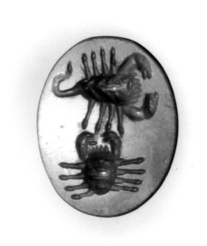 Intaglio gem, scorpion (Scorpio) and a crab (Cancer) from above