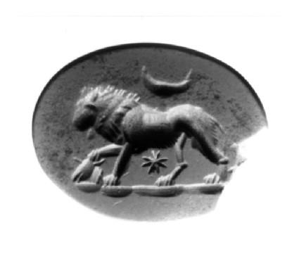 Intaglio gem, lion (Leo), moon and star