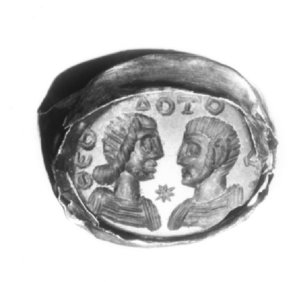 Intaglio gem, portrait busts, male and female set in finger-ring
