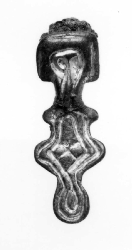 Square headed brooch with lozenge centre