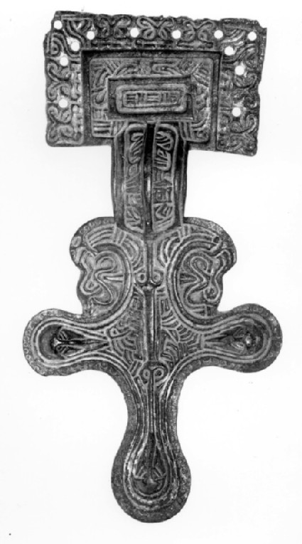 Square headed brooch with basket ornament