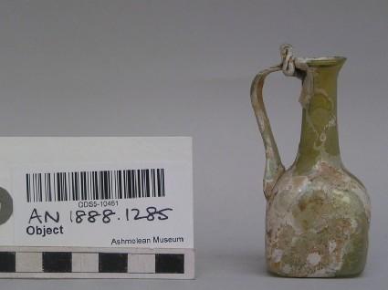 Glass jug, body square