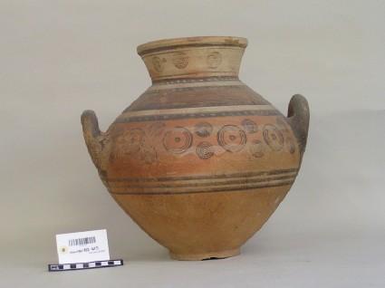 Bichrome Red belly amphora