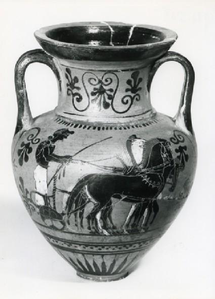 Attic black-figure pottery amphora depicting a race
