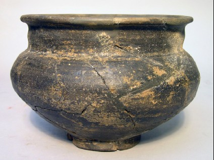 Necked bowl, wheel-thrown