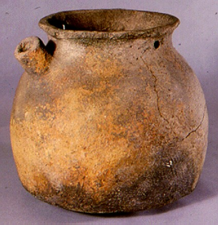 Spouted jar