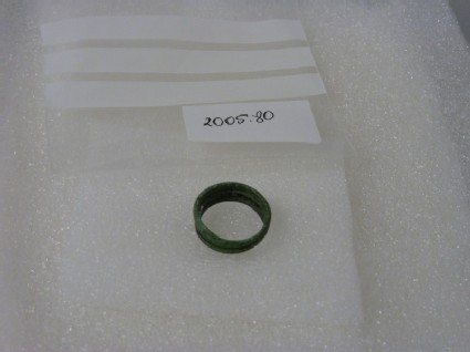 Copper alloy spiral finger-ring