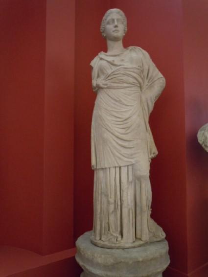 Statue of Athena, Vescovali type