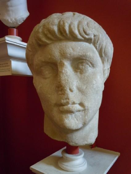 Statue head of Emperor Claudius or Agrippa