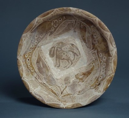 Bowl with hare