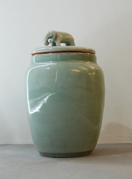 Jar with lid with elephant