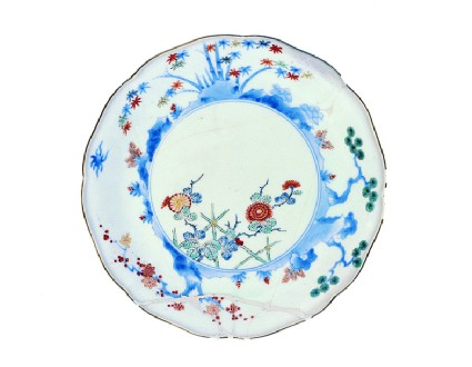 Plate with chrysanthemum trellis, and border of pine, prunus and bamboo
