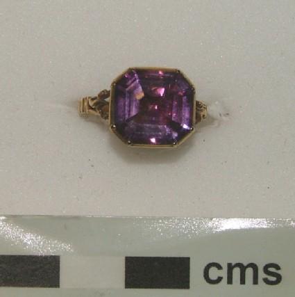 Ornamental ring