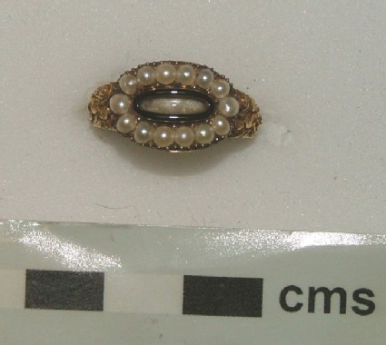 Mourning ring