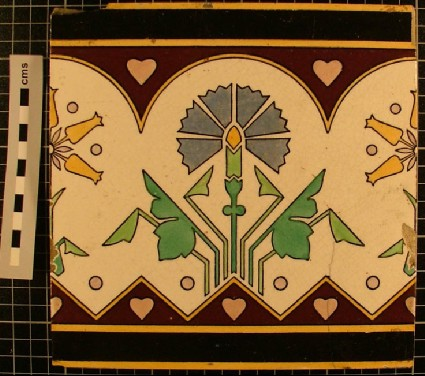 Tile with stylised flowers