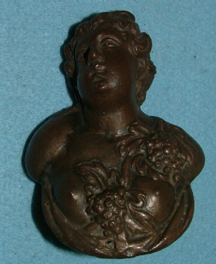 Door handle in the form of a female bacchic bust (companion with 188)