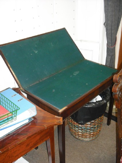 Drop-leaf card table